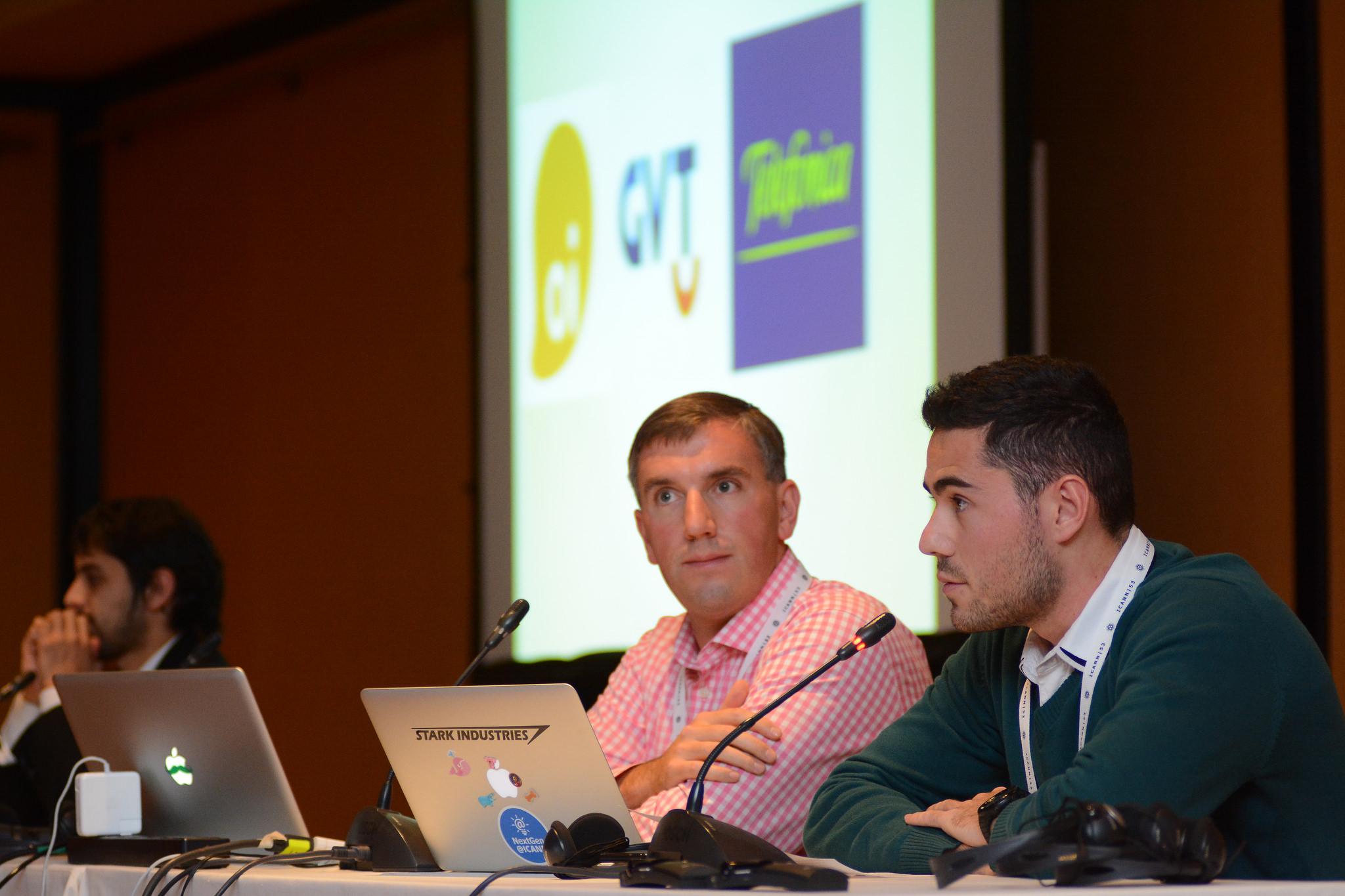 Vinicius Linden (à direita)